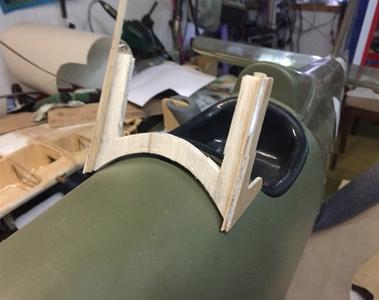 preparando marco para parabrisas